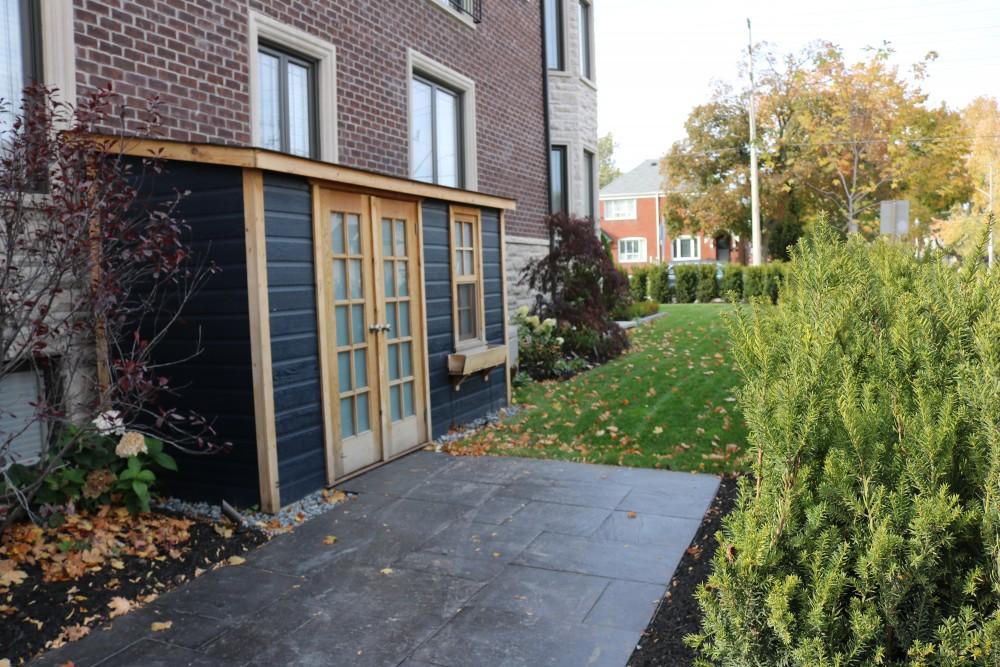 privacy hedge, walkway, Summerwood storage shed